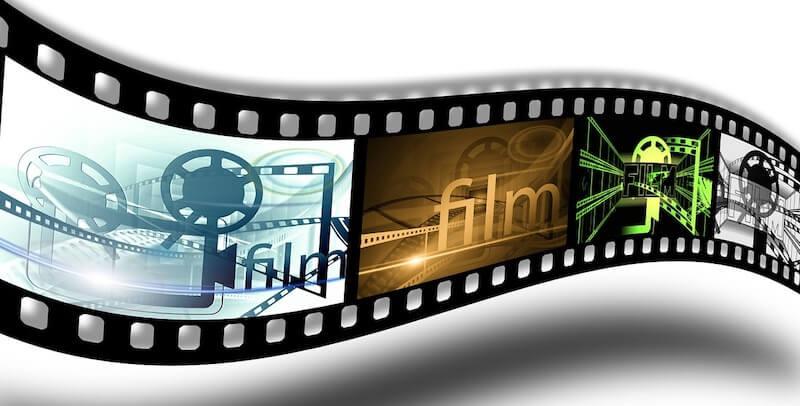 映画も鮮明のディスプレイ