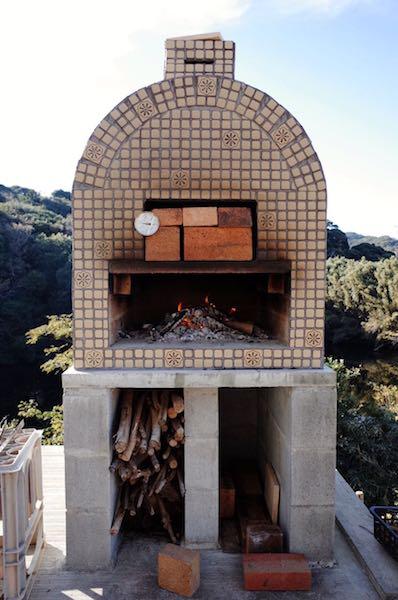 ピザ窯でのピザの焼き方3