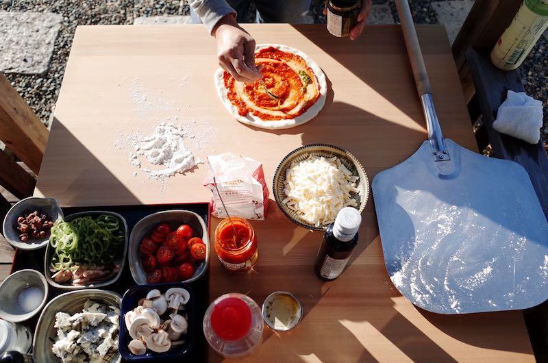 ピザ窯でのピザの焼き方6