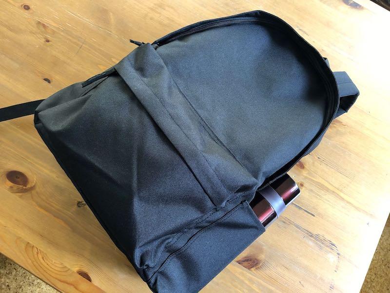 無印良品肩の負担を軽減するPCポケット付きリュックサック11