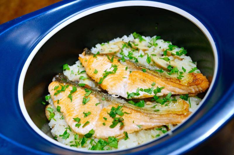 ベストポットで炊いた秋鮭とマッシュルームご飯