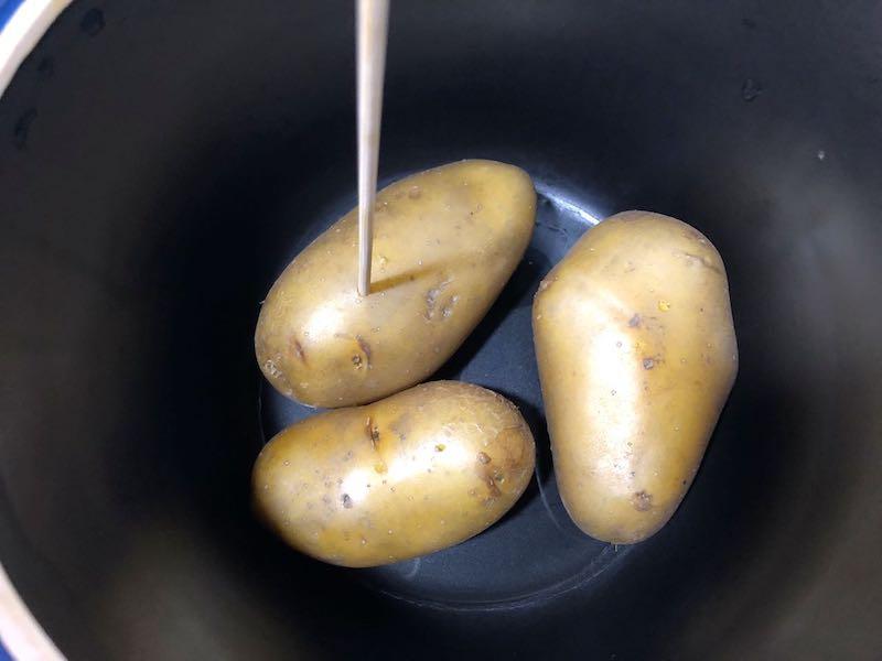 ベストポットdeジャガイモを蒸す