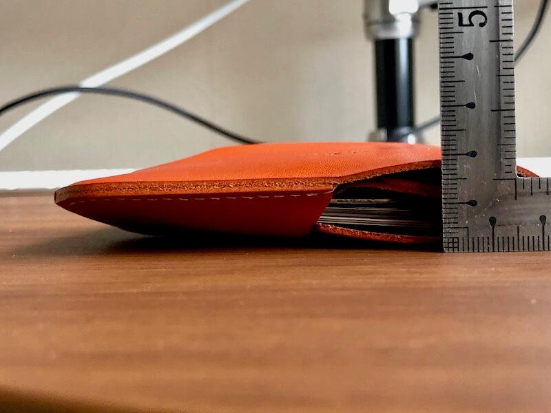 薄くて大容量の二つ折り財布HUKUROのJITAN31