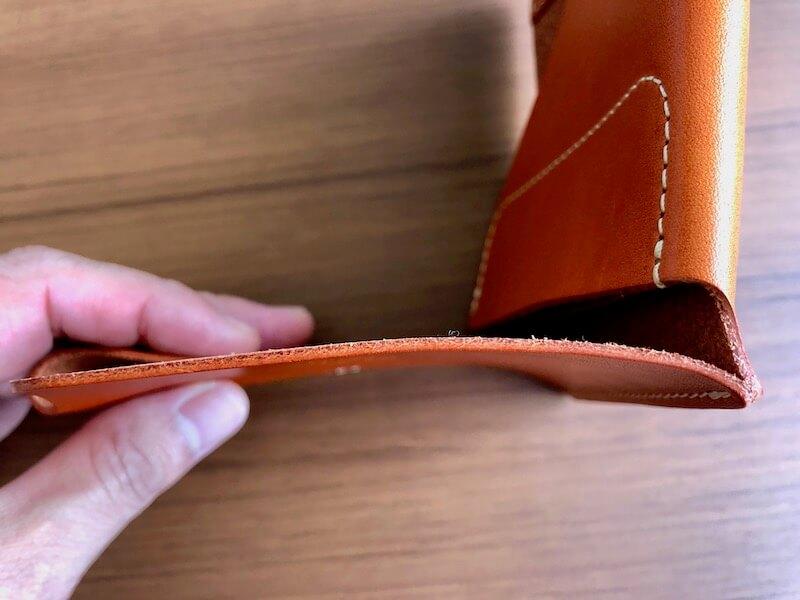 薄くて大容量の二つ折り財布HUKUROのJITAN11