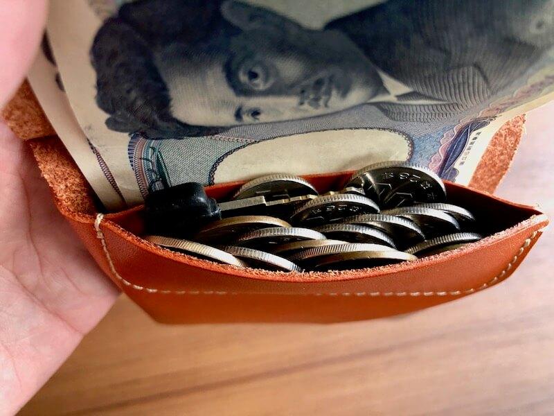 薄くて大容量の二つ折り財布HUKUROのJITAN37