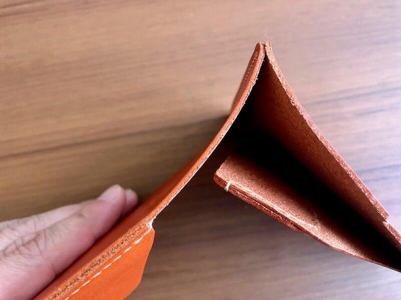 薄くて大容量の二つ折り財布HUKUROのJITAN10