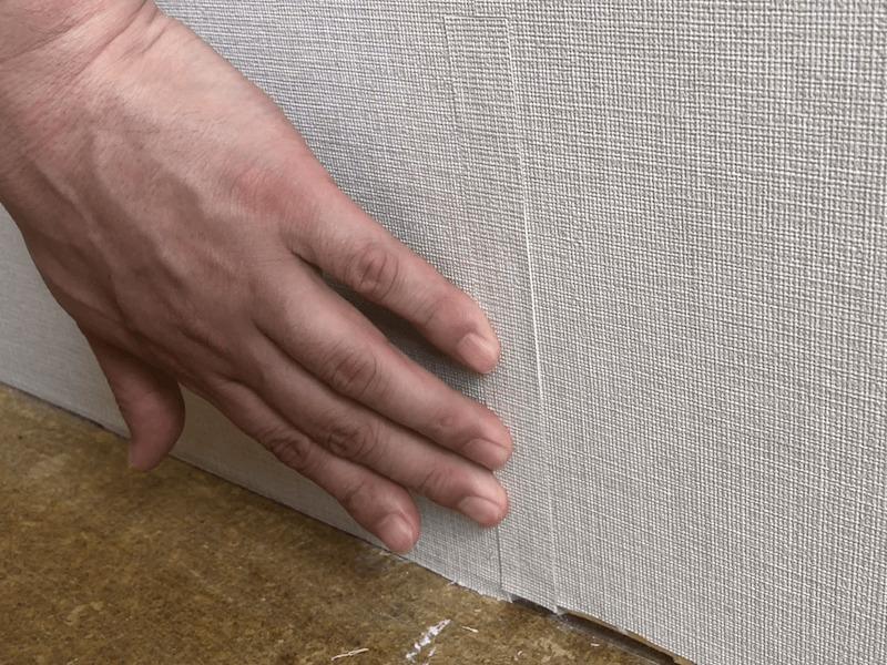 壁紙の破れの補修11