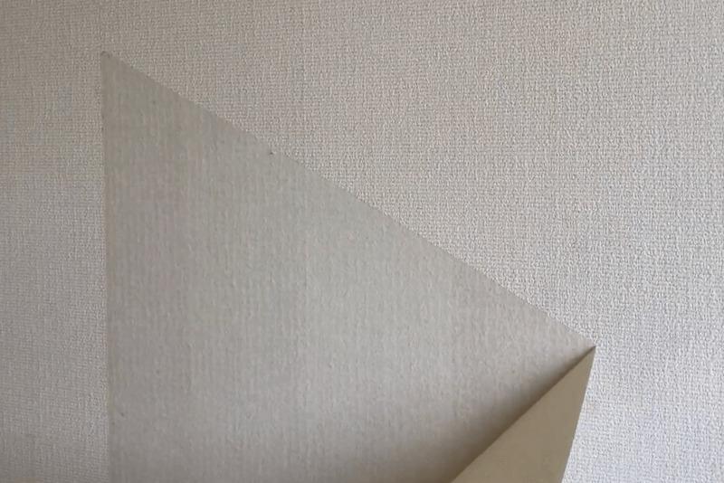 壁紙を剥ぐ