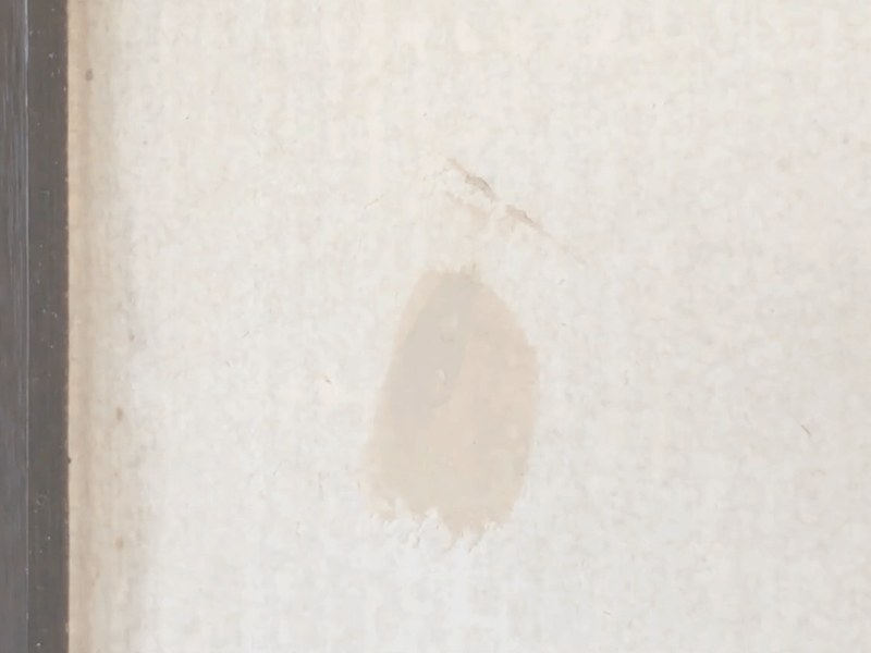 ネジ穴パテ塗り2